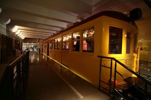 地下鉄博物館16東京地下鉄1000系ホーム1