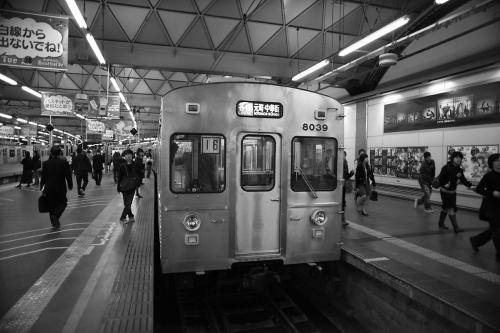 東急8000系8039F@渋谷モノクロ