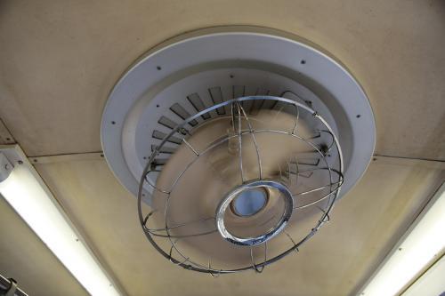 福島交通7000系の扇風機