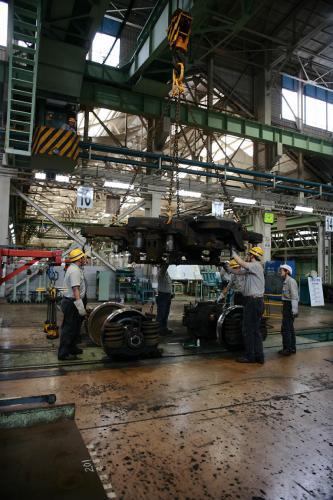 JR大井工場電車の台車組立