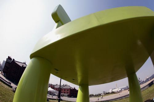 イケヤの巨大椅子1