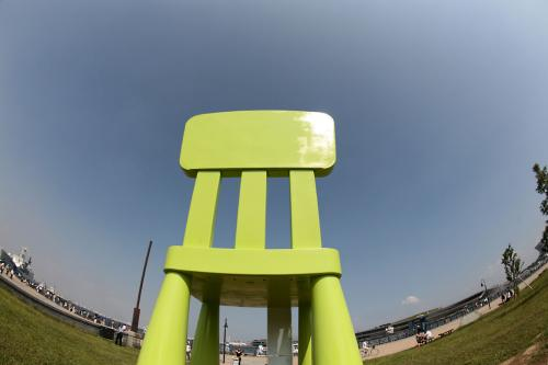 イケヤの巨大椅子6