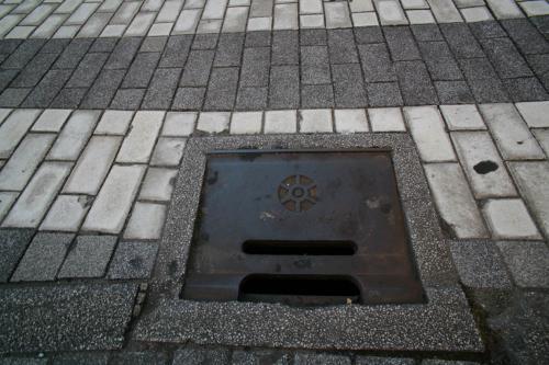 浅草のマンホール8