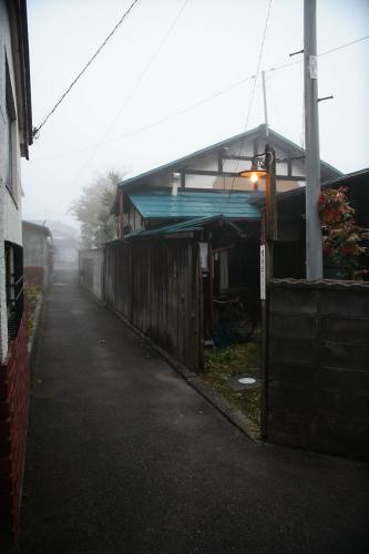 路地裏の電燈4