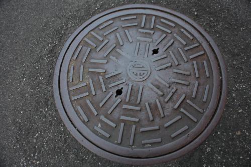 会津若松市のマンホール9(古い形2)