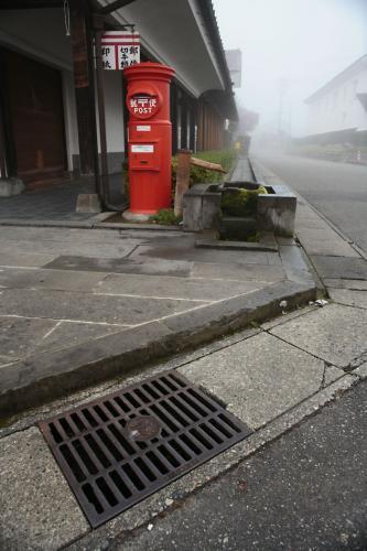 喜多方市のマンホール10(路肩排水口3と丸ポスト)