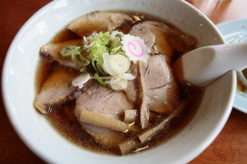 丸見食堂チャーシュー麺