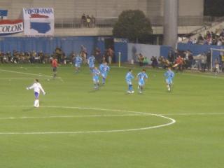 早川の得点で大喜びの横浜FCイレヴン