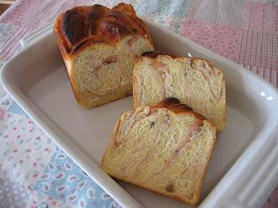 桜あんの食パン