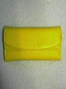 パンチング加工の財布です