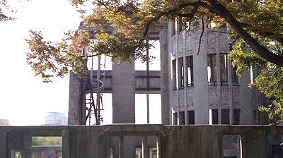 原爆ドーム:らせん階段