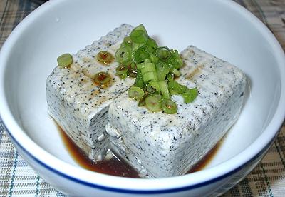 黒ごま豆腐(絹越し):冷や奴