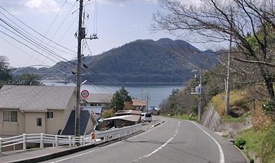 自宅から田島を望む