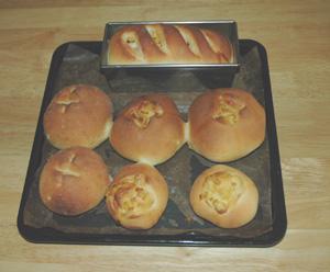コーンとマヨネーズのパンを焼く