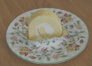 ヨーグルトクリームのロールケーキ