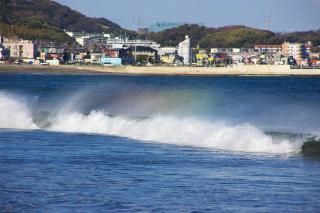 20070312 菊名海水浴場 波頭の虹