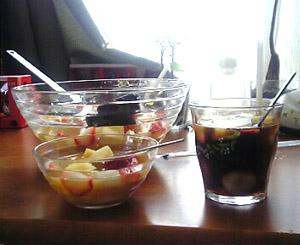 ボールいっぱい果物食いました。ゲフゥ