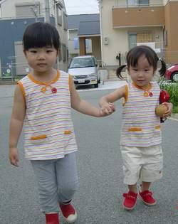 20005.7.19 ひとみちゃんとのんちゃん お揃いファミリア