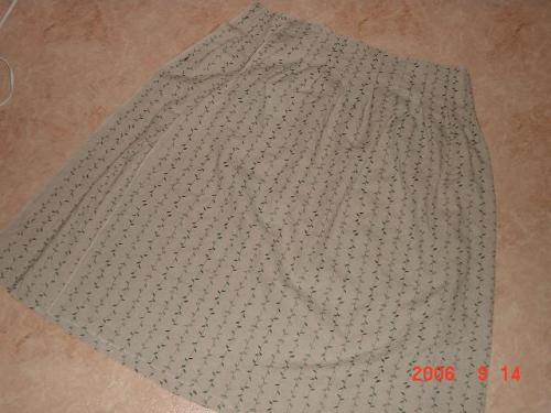 9.14 はなはっかさんの生地でポルカドロップのスカート製作途中