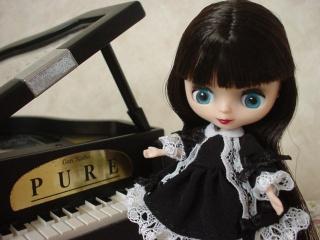 cassandra_piano.jpg