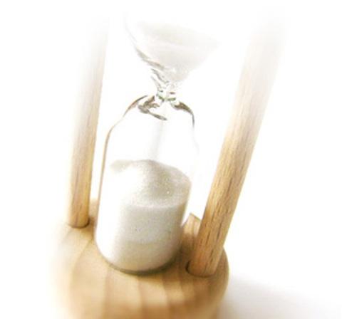 hourglass2s.jpg