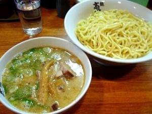 麺高はし(つけ麺半肉入り大盛り)