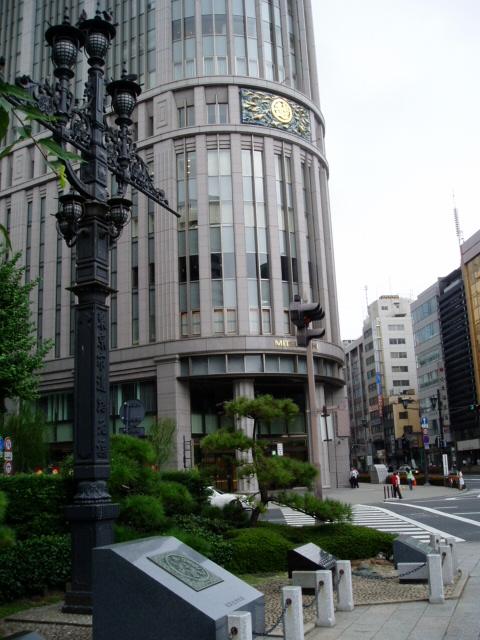 日本橋の袂のデパートメントストア