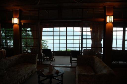 居間から中禅寺湖