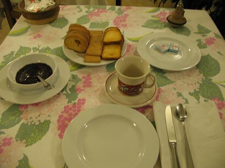 アスティ朝食