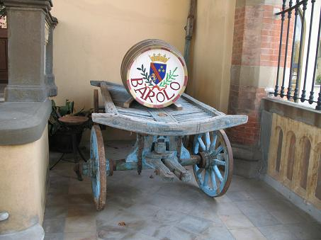 バローロの樽