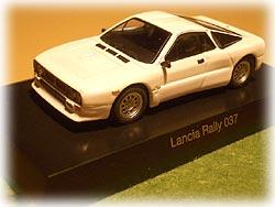 Lancia Rally 037 白